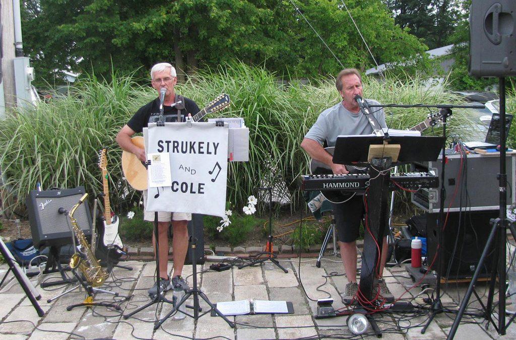 Live Music: Strukely & Cole